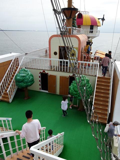 サウザンドサニー号の甲板