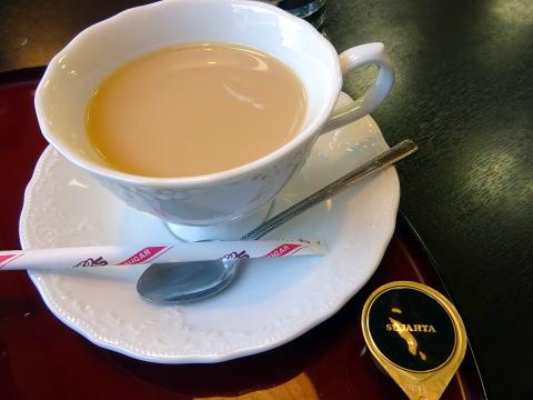 ダ-ジリンティーセットミルクティー