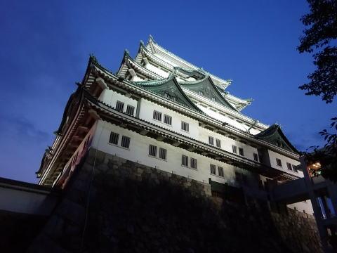 夜の名古屋城大天守